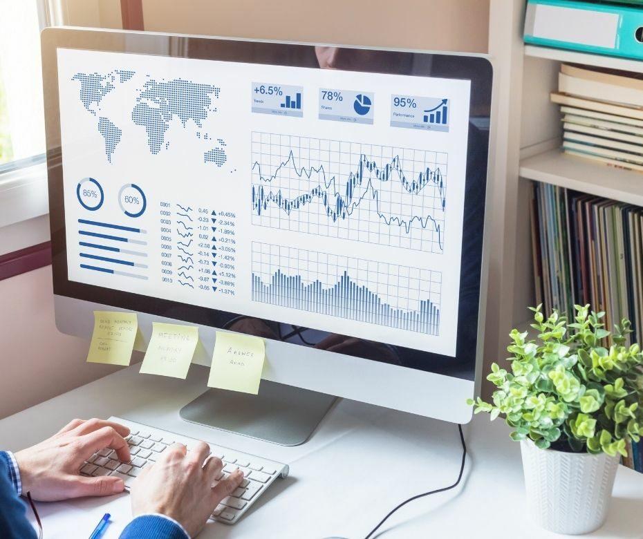 Tworzenie zaawansowanych raportów analitycznych